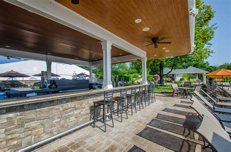 outdoor bar and grill west country club