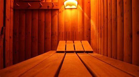 Tub Vs Sauna For Detox by Sauna Vs Tub Pros Cons Comparisons And Costs