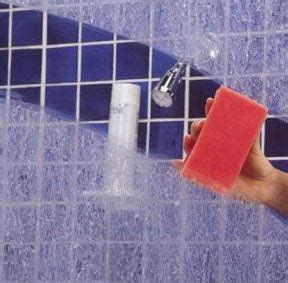 How To Remove Water Spots From Shower Doors by Clean Soap Scum And Water Spots On A Glass Shower