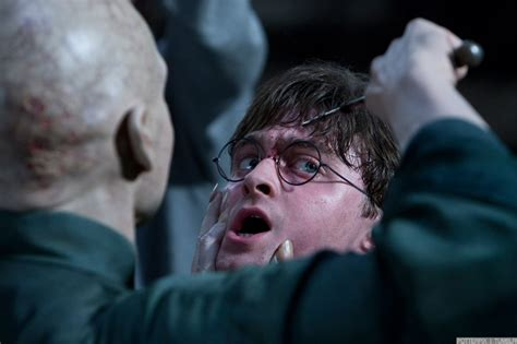 daniel radcliffe harry potter deathly hallows part 2 deathly hallows part 2 movie still daniel radcliffe