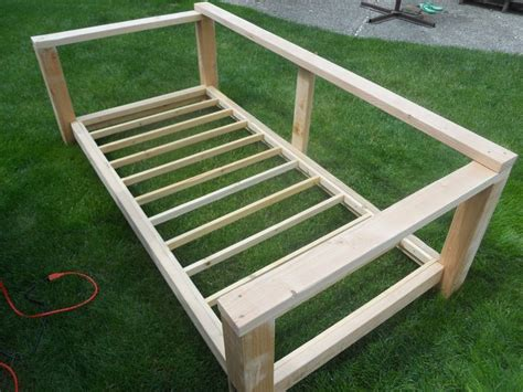 wood build a daybed pdf plans best 25 outdoor daybed ideas on pinterest patio bed