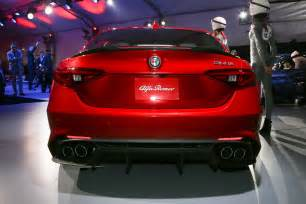 Alfa Romeo Giullia Alfa Romeo Giulia Makes U S Debut At L A Auto Show