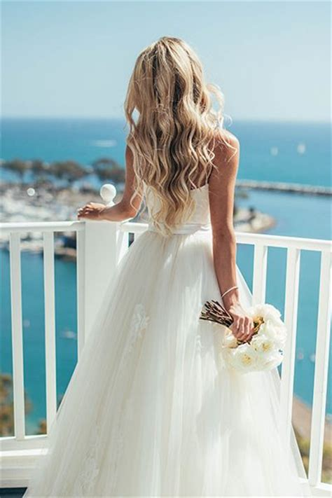 30 gorgeous ways to wear your hair for your wedding beautiful wedding and beachy waves