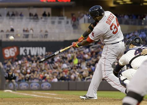 ortiz hits two home runs again sox roll 9 4
