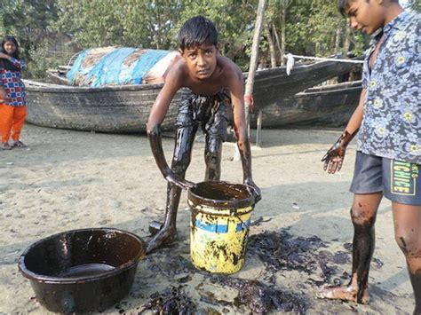 Kitchen Gadgets In Bangladesh Children Clean Spill With Kitchen Utensils In Bangladesh