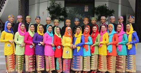 Peci Betawi Asli Jakarta pakaian adat indonesia pakaian adat betawi