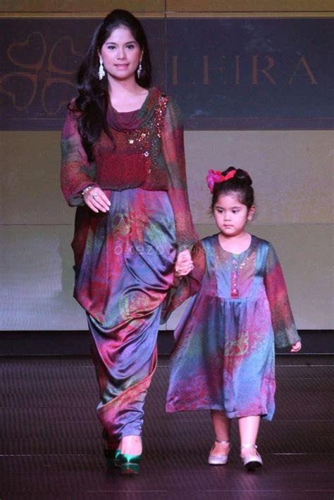 Sarimbit Ibu Dan Anak Bagus Baju Batik Anak Dan Ibu Batik Keluarga 30 model baju batik terbaru yang harus kamu miliki