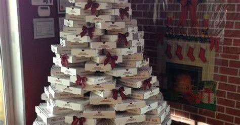 yellowcabnycheers pizza box christmas tree ny cheers