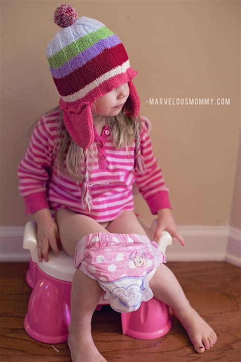 little girl wearing huggies pull up diapers girls wearing huggies pull ups