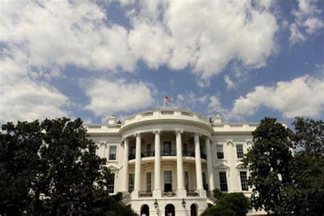 white house lockdown white house lockdown lifted after object thrown over fence deemed harmless kogonuso