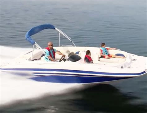 how much does a pontoon weigh how much do deck boats weigh average weights with 10 exles