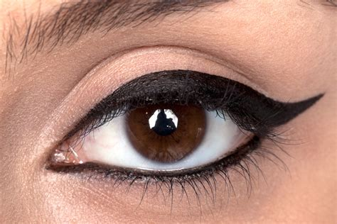 7 ways to up your eyeliner game her campus