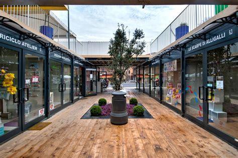 ufficio pra modena galeria de lojas em modena italia containers container