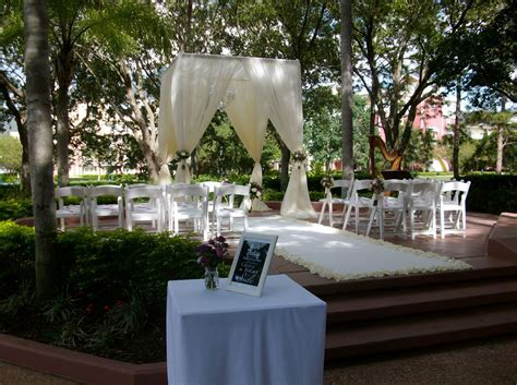 Disney World Swan Hotel wedding ceremony at the Crescent