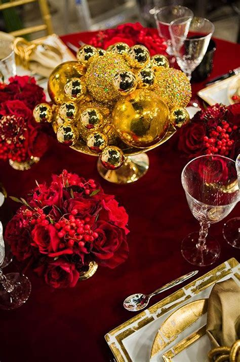32 Amazing Red And Gold Christmas Décor Ideas   DigsDigs