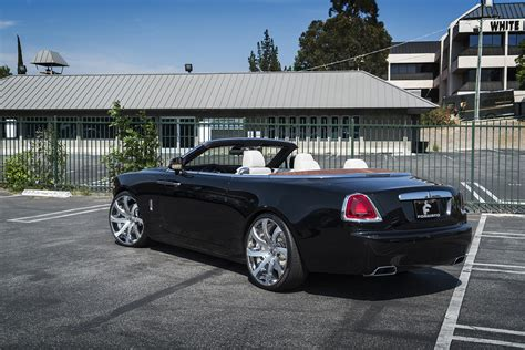 roll royce forgiato first rolls royce dawn gets forgiato wheels autoevolution