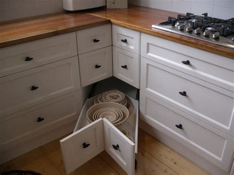 Kitchen Corner Drawers by Clever Kitchen Corners Creating Order From Chaos