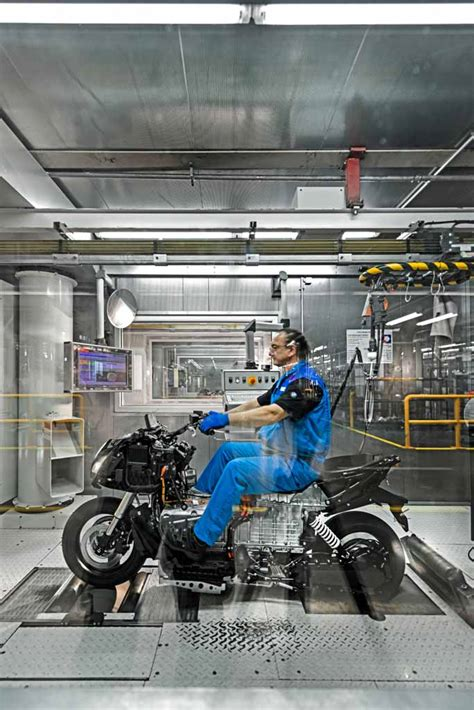 Bmw Motorrad Factory Tours by Series C Evolution Production Begins For Bmw Motorrad