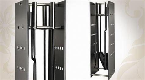 Accessoires Cheminee Design serviteur de chemin 233 e design en acier avec ses quatre