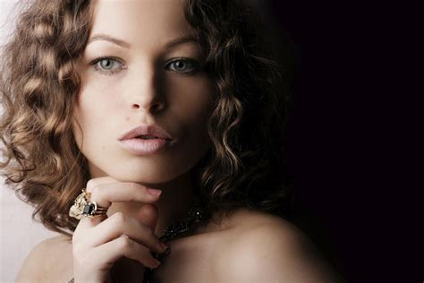 curly hair model women s home remedies beautiful woman