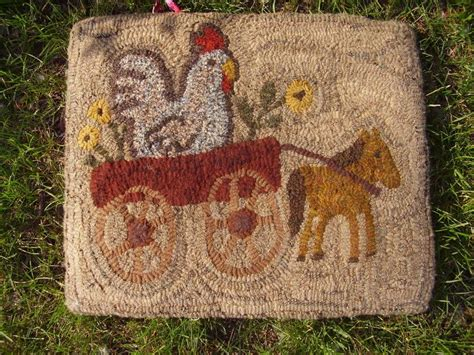folk rug hooking 1000 images about chicken hooked rugs on
