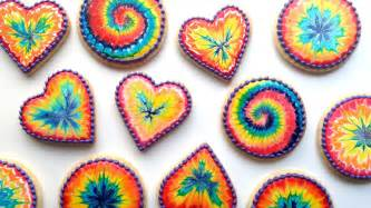 how to decorate rainbow tie dye cookies with royal icing youtube