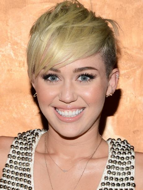 pixie cut hairstyle for age mid30 s short hairstyles for women in their 30s