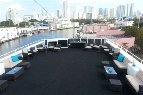 boat rental miami new years eve sun beach boat 125 party boat rental miami prime luxury