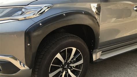 Fender All New Pajero Sport matt black fender flares wheel arch with nuts for