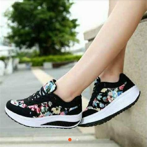 Sepatu Flowerr Hitam 6254 best boots images on boots boot and