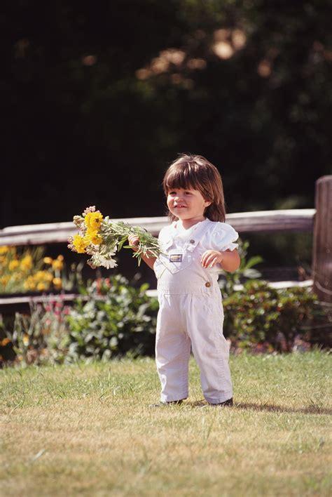 can a child custody attorney help me establish paternity