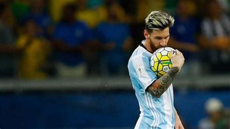 biography of lionel messi of argentina analysis of why messi plays better for barcelona than