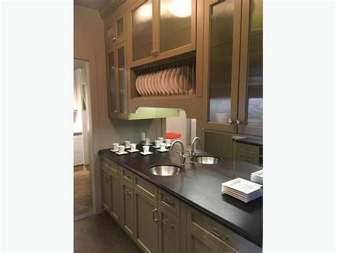 Showroom Kitchen Cabinets For Sale Kitchen Cabinets Ex Showroom Display For Sale 3900 City