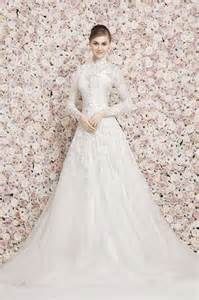White lace bridal sleeves dresses are looking marvelous with awesome