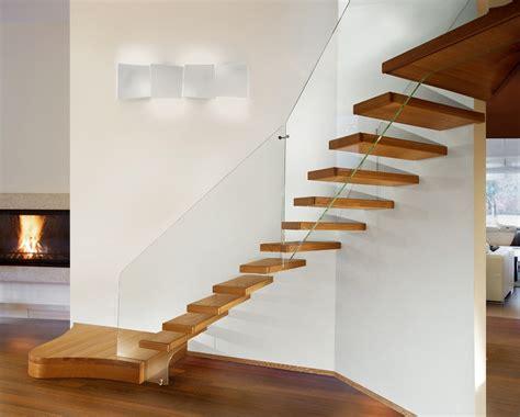 Scale Legno E Vetro scale con struttura in vetro e gradini in legno marretti