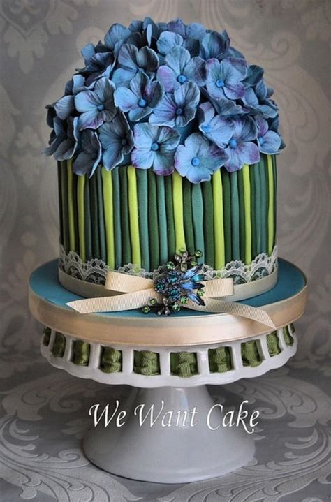 hydrangea cake hydrangea blue wedding cake decorated with blossoms