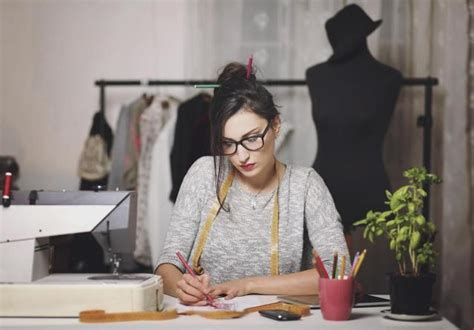become a designer top skills required to become a successful fashion designer