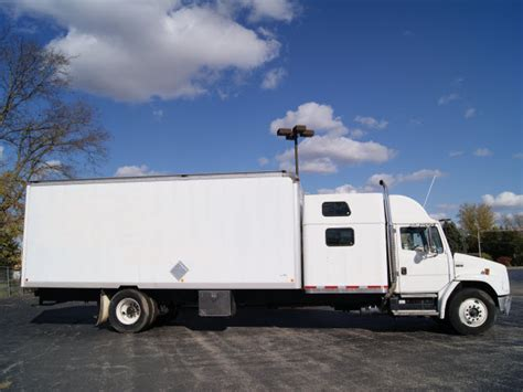Box Truck With Sleeper For Sale by Freightliner Fl80 2001 White Box Truck W Sleeper Diesel