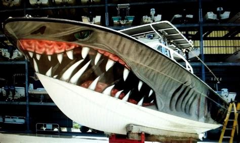 cool boat paint jobs shark cool boat paint job creative paint jobs pinterest