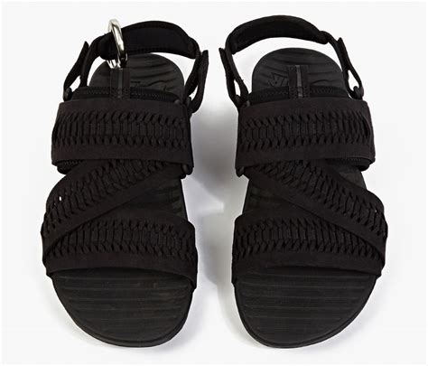 Sandal Zifzag nike air solarsoft zigzag sandal launches pause