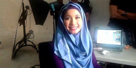 laudya cynthia bella kini sudah mantap berhijab showbiz ini gaya hijab unyu ala laudya cynthia bella cute b3