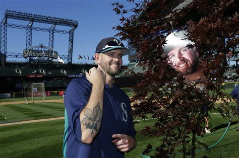 mariners fans created the maple grove for canadian james