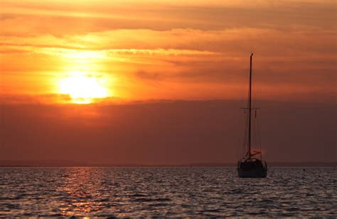 Late Sunset Sail Boat Sunset Sail Boat In The Sunset At Blakeney Oaktree Cottage