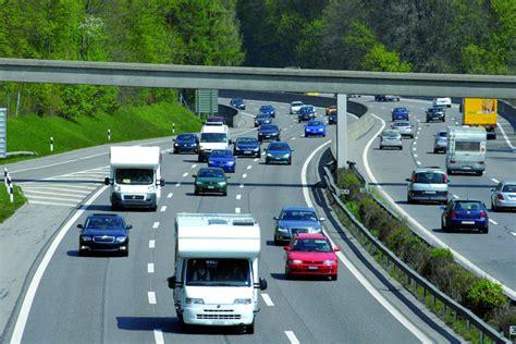 Motorrad Online Umfrage by Umfrage Mehrheit F 252 R Tempolimit Heise Autos