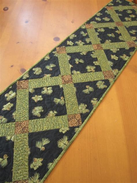 Patchwork Table Runner Pattern - 17 best images about table toppers runners mug rugs on