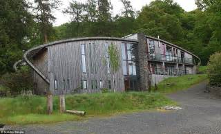 Grand Designs' Lake District eco lodge crumbling and