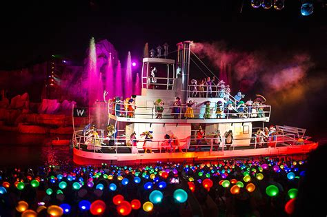 southton boat show 2017 opening times this week in disney parks photos glow with the show