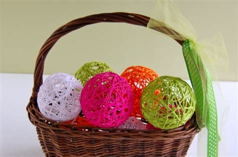 Holiday Craft Projects - classic diy glue yarn ball make and takes