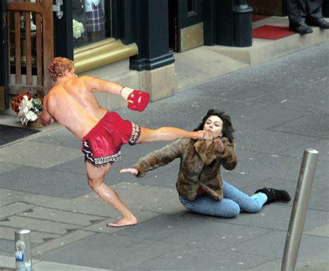 Scarlett Johansson Falling Down Meme - scarlett johansson falls down internet wins funny