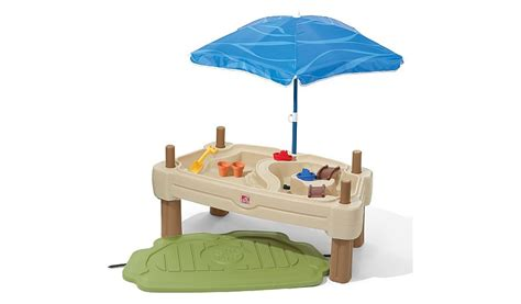 step 2 naturally playful picnic table with umbrella home